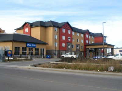 Solar & heat recovery hybrid system at Comfort Inn in Red Deer, AB.